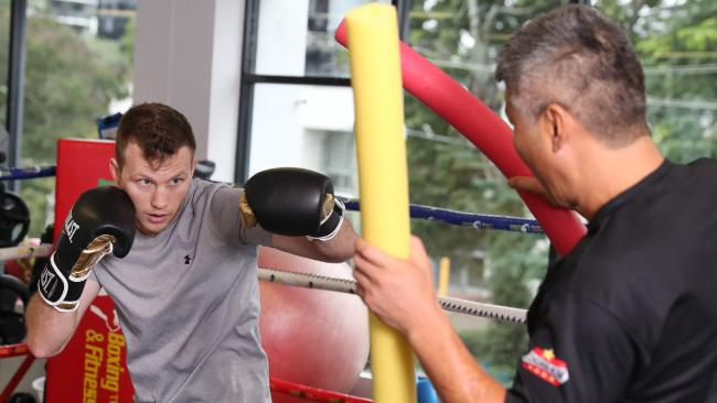 Dundee training Jeff Horn